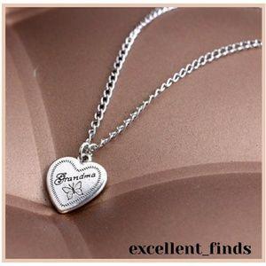 🔢Grandma butterfly necklace